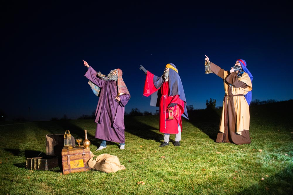Students organized a live nativity