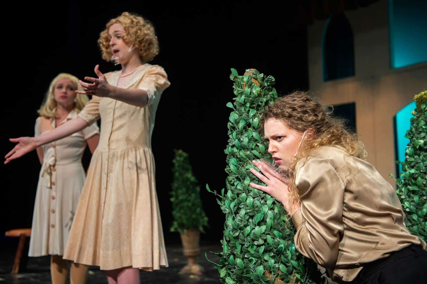 Beatrice overhears Hero and Ursula discussing Benedick